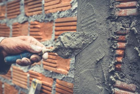 Außen- und Innenputzarbeiten für Zweifamilienhaus